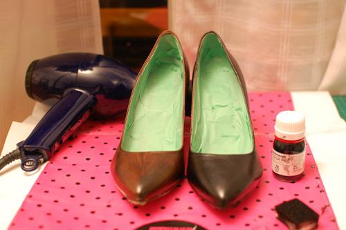 teñir zapatos en casa