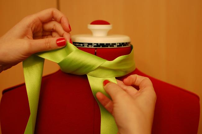 Como hacer una lazada bonita en un vestido