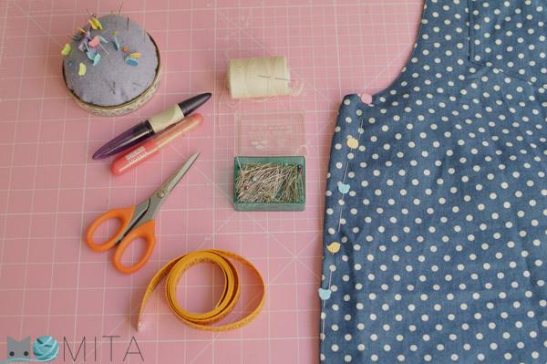 Materiales para arreglar una prenda