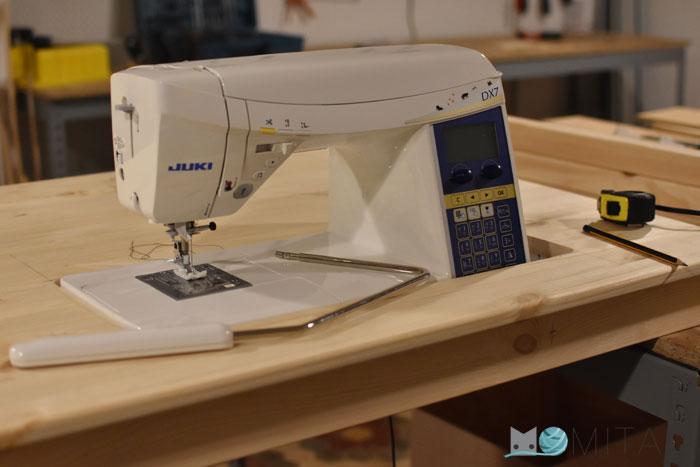C mo hacer una mesa para la m quina de coser momita 39 s blog - Mesa para maquina de coser ikea ...